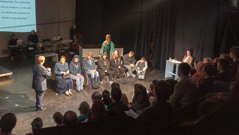 """""""Die bessere Gesellschaft"""" war der Höhepunkt des Theaterfestivals in Prag"""